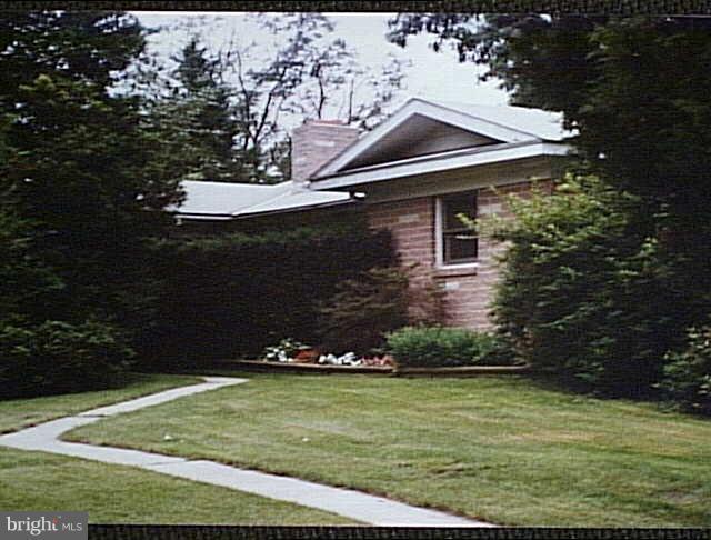 145 Si Rode Lane, YORK HAVEN, PA 17370 (#1009976464) :: Benchmark Real Estate Team of KW Keystone Realty