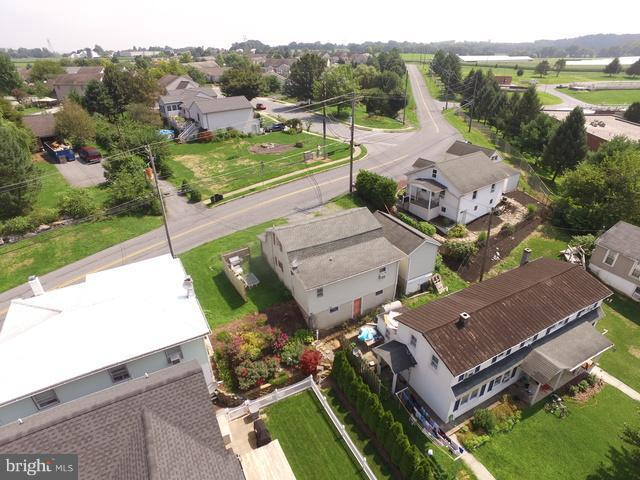 32 Lititz Run Road, LITITZ, PA 17543 (#1009977290) :: The Craig Hartranft Team, Berkshire Hathaway Homesale Realty