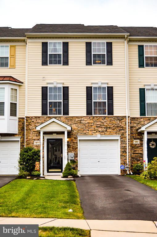 394 Bruaw Drive, YORK, PA 17406 (#1009987130) :: Benchmark Real Estate Team of KW Keystone Realty
