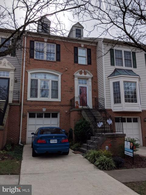 25360 Herring Creek Drive, CHANTILLY, VA 20152 (#1009999228) :: Colgan Real Estate