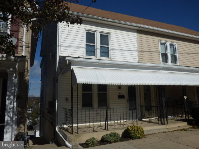 631 W Broadway, RED LION, PA 17356 (#PAYK100186) :: Benchmark Real Estate Team of KW Keystone Realty