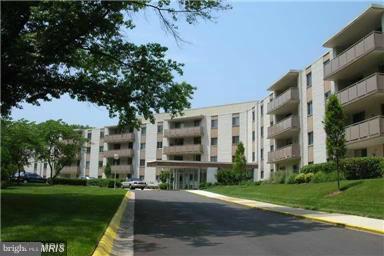 7501 Democracy Boulevard B-222, BETHESDA, MD 20817 (#MDMC100970) :: Keller Williams Pat Hiban Real Estate Group