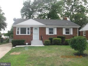 128 69TH Street, CAPITOL HEIGHTS, MD 20743 (#MDPG100944) :: The Miller Team