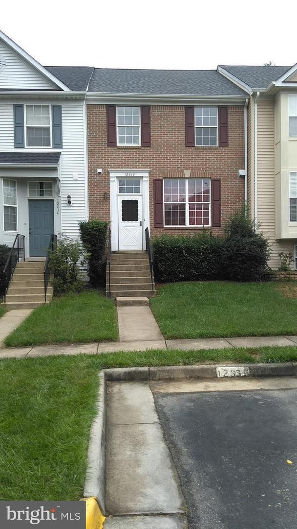 12832 Hyannis Lane, WOODBRIDGE, VA 22193 (#VAPW100868) :: RE/MAX Cornerstone Realty