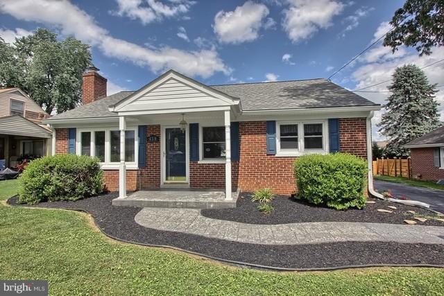 438 Hostetter Drive, MILLERSVILLE, PA 17551 (#PALA102072) :: Benchmark Real Estate Team of KW Keystone Realty