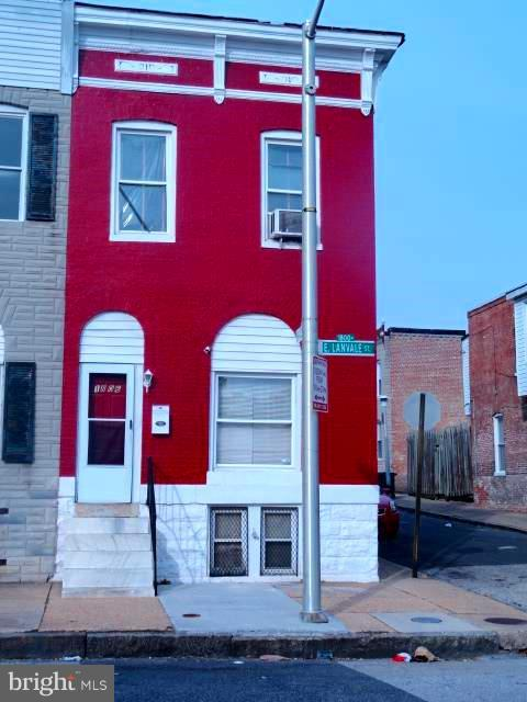 1806 E Lanvale Street, BALTIMORE, MD 21213 (#MDBA104220) :: AJ Team Realty