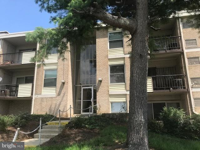 3833 Saint Barnabas Road #102, SUITLAND, MD 20746 (#MDPG118264) :: TVRG Homes