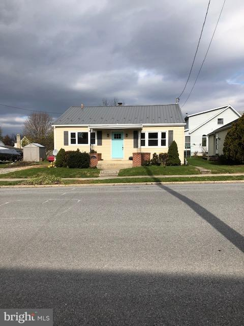 625 E Catherine Street E, CHAMBERSBURG, PA 17202 (#PAFL108696) :: Blue Key Real Estate Sales Team