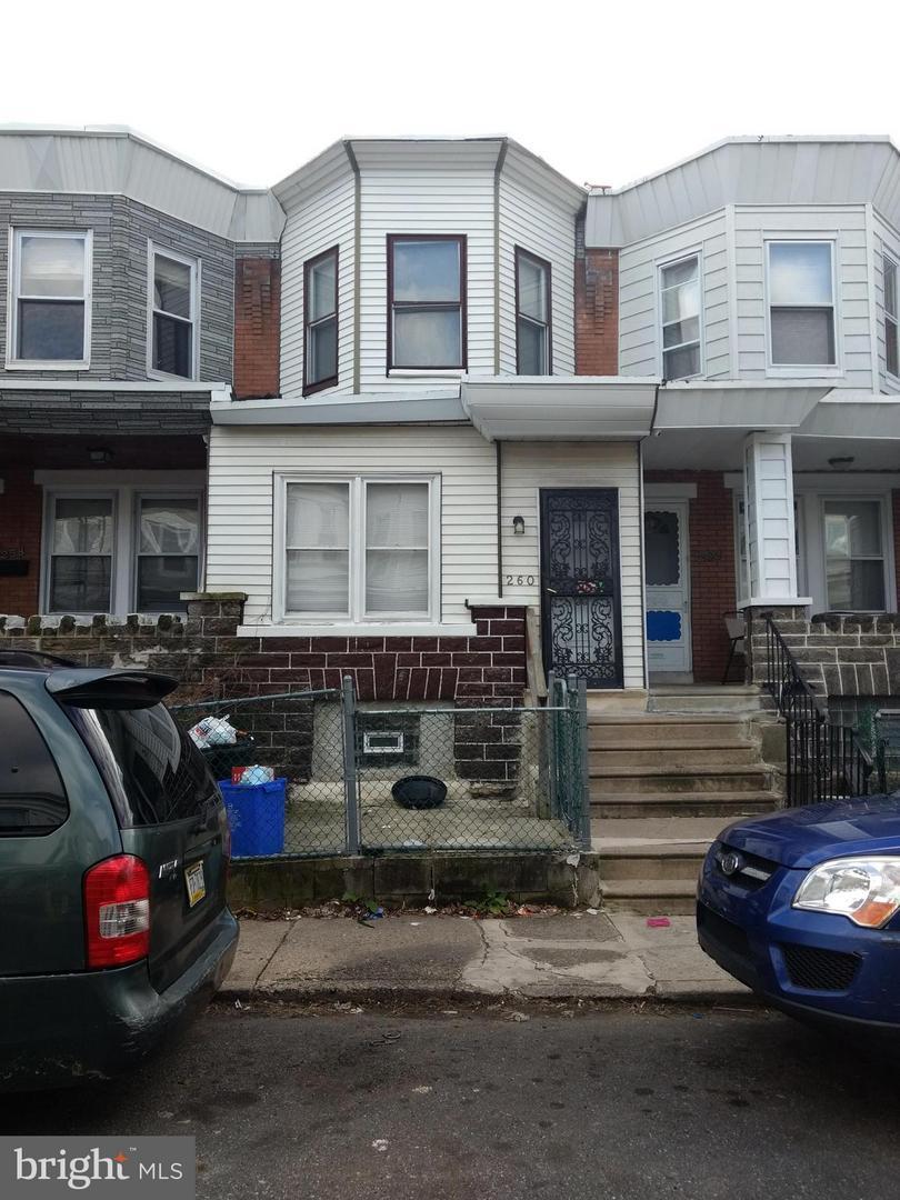 260 WEST WELLENS Avenue - Photo 1