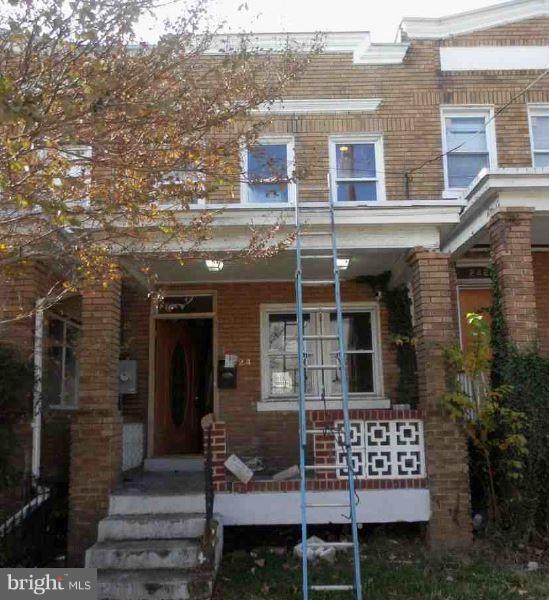 2424 4TH Street NE, WASHINGTON, DC 20002 (#DCDC199800) :: SURE Sales Group