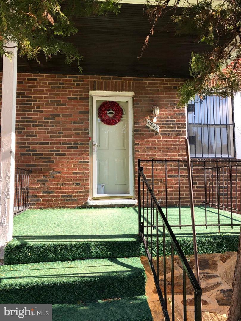 1327 Kenwood Avenue - Photo 1