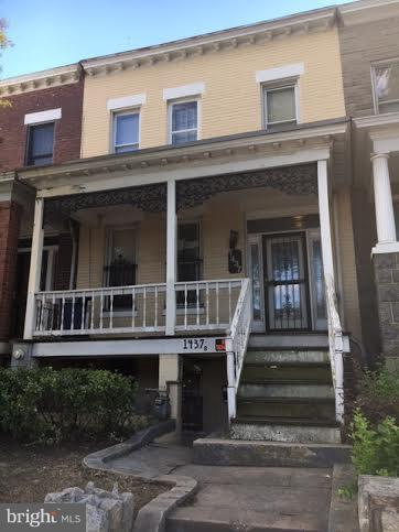 1437 Pennsylvania Avenue SE, WASHINGTON, DC 20003 (#DCDC260570) :: The Daniel Register Group