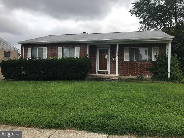 1419 Hallwood Road, BALTIMORE, MD 21228 (#MDBC277320) :: Wes Peters Group