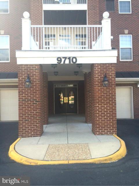 9710 Handerson Place #403, MANASSAS PARK, VA 20111 (#VAMP106018) :: Jacobs & Co. Real Estate