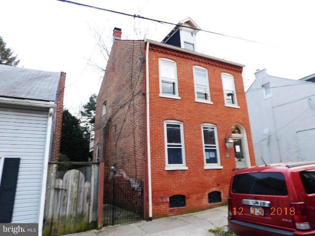 630 Saint Joseph Street, LANCASTER, PA 17603 (#PALA113136) :: Benchmark Real Estate Team of KW Keystone Realty