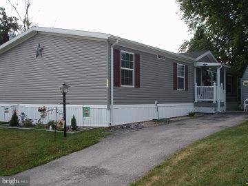 202 Berwick Road, ABBOTTSTOWN, PA 17301 (#PAAD102108) :: Benchmark Real Estate Team of KW Keystone Realty