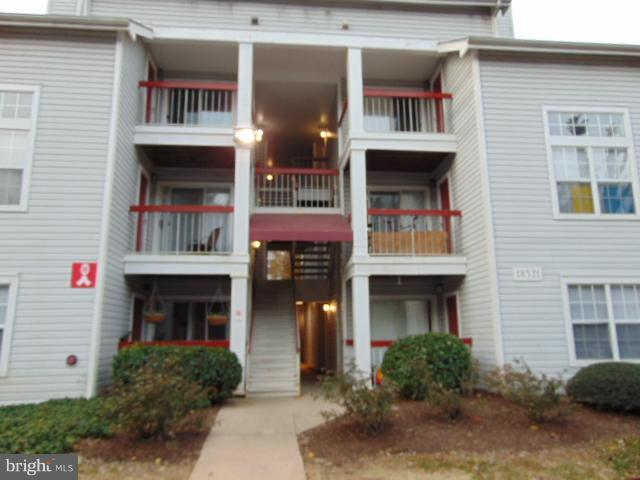 18521 Boysenberry Drive 249-179, GAITHERSBURG, MD 20886 (#MDMC455506) :: The Maryland Group of Long & Foster