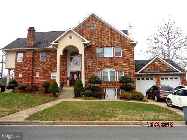 3948 Fairview Drive, FAIRFAX, VA 22031 (#VAFC111082) :: AJ Team Realty