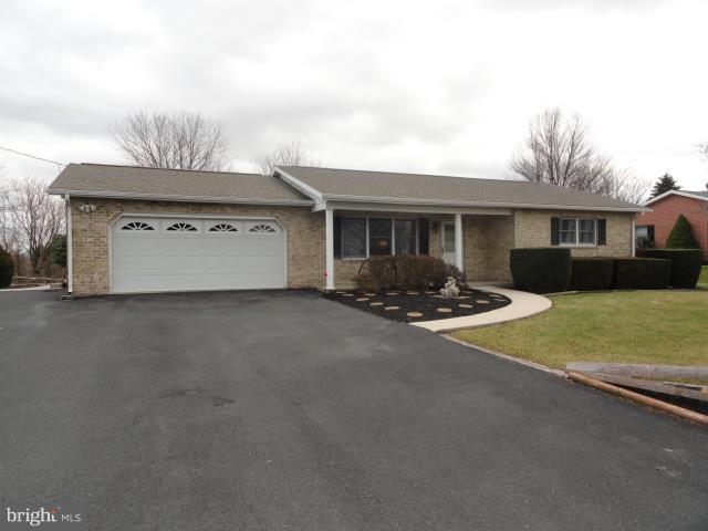 748 Warm Spring Road, CHAMBERSBURG, PA 17202 (#PAFL141150) :: The Gus Anthony Team