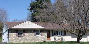 512 Central Avenue, FEASTERVILLE TREVOSE, PA 19053 (#PABU307652) :: Jason Freeby Group at Keller Williams Real Estate