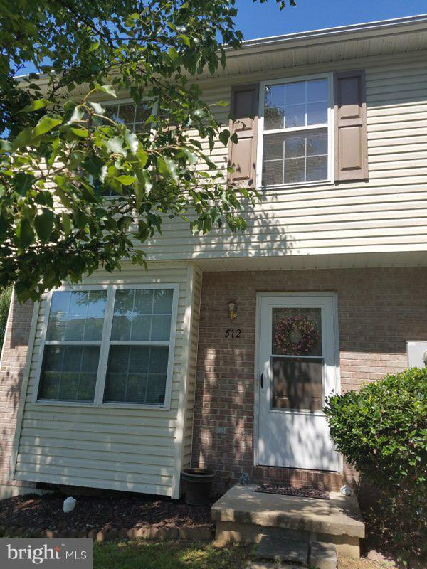 512 Ridgefield Avenue, STEPHENS CITY, VA 22655 (#VAFV127752) :: AJ Team Realty