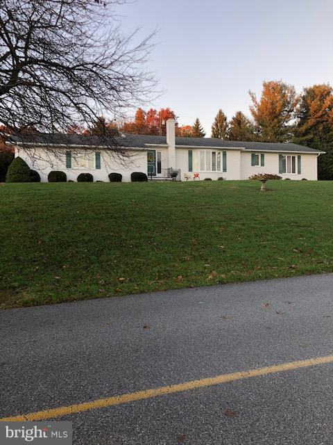 353 Briar Lane, CHAMBERSBURG, PA 17202 (#PAFL141238) :: The Heather Neidlinger Team With Berkshire Hathaway HomeServices Homesale Realty