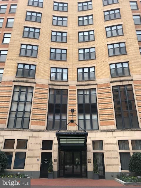 400 Massachusetts Avenue NW #302, WASHINGTON, DC 20001 (#DCDC309490) :: Erik Hoferer & Associates