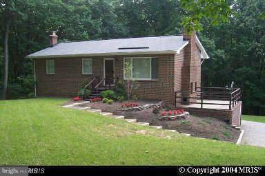 9290 Windrush Drive, LORTON, VA 22079 (#VAFX746604) :: Tom & Cindy and Associates