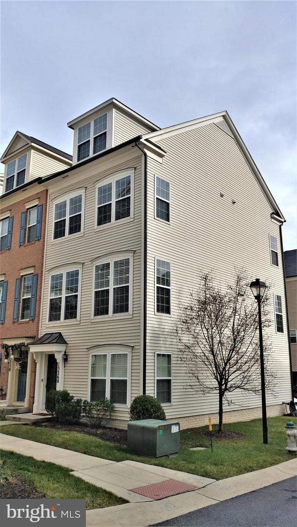 13260 Orsay Street #1810, CLARKSBURG, MD 20871 (#MDMC488080) :: The Speicher Group of Long & Foster Real Estate