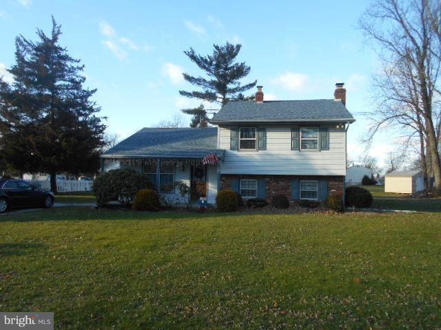 40 Willow Grove Road, SHAMONG, NJ 08088 (#NJBL246218) :: The John Wuertz Team