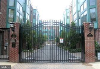 524 Christian Street B, PHILADELPHIA, PA 19147 (#PAPH510664) :: Jason Freeby Group at Keller Williams Real Estate