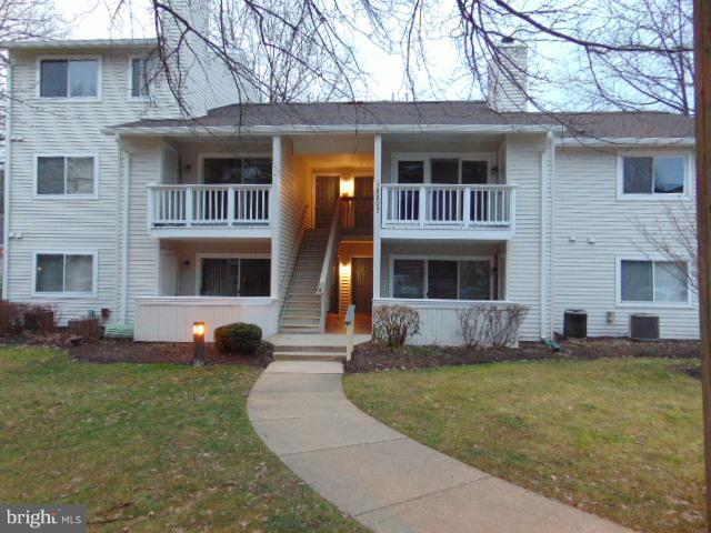 18207 Swiss Circle 2-104, GERMANTOWN, MD 20874 (#MDMC488358) :: The Speicher Group of Long & Foster Real Estate