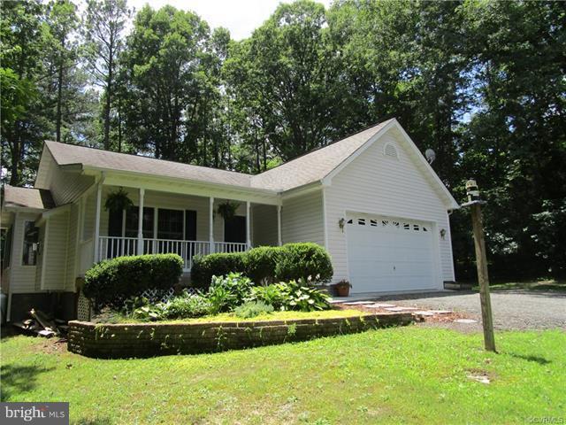 95 Lake Caroline Drive, RUTHER GLEN, VA 22546 (#VACV109648) :: AJ Team Realty