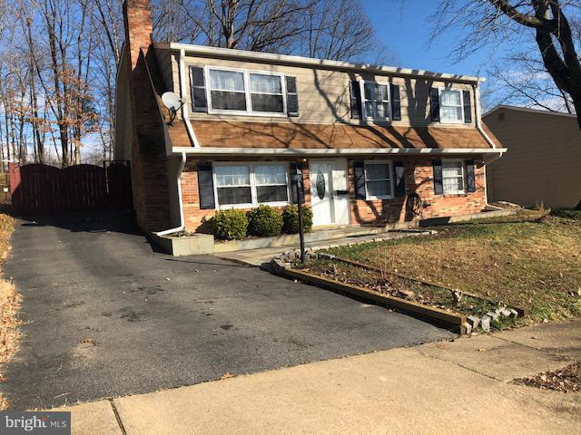 13008 Kolman Court, WOODBRIDGE, VA 22193 (#VAPW322570) :: The Putnam Group