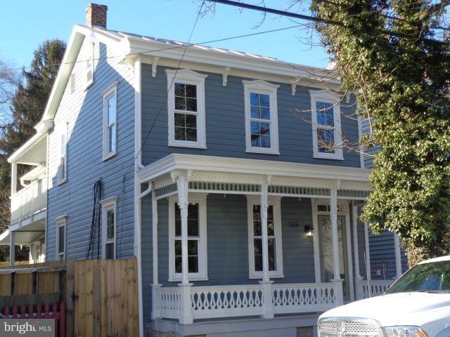 526 N Pitt Street, CARLISLE, PA 17013 (#PACB106430) :: Benchmark Real Estate Team of KW Keystone Realty