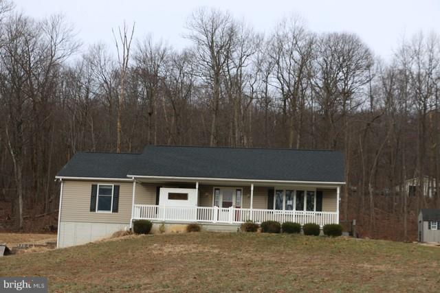 11208 Wolfsville Road, SMITHSBURG, MD 21783 (#MDWA136864) :: The Speicher Group of Long & Foster Real Estate