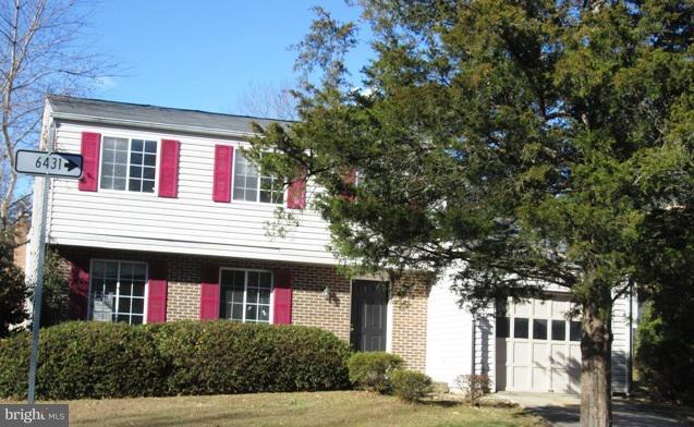 5706 Oak Stake Court, BURKE, VA 22015 (#VAFX747984) :: The Bob & Ronna Group