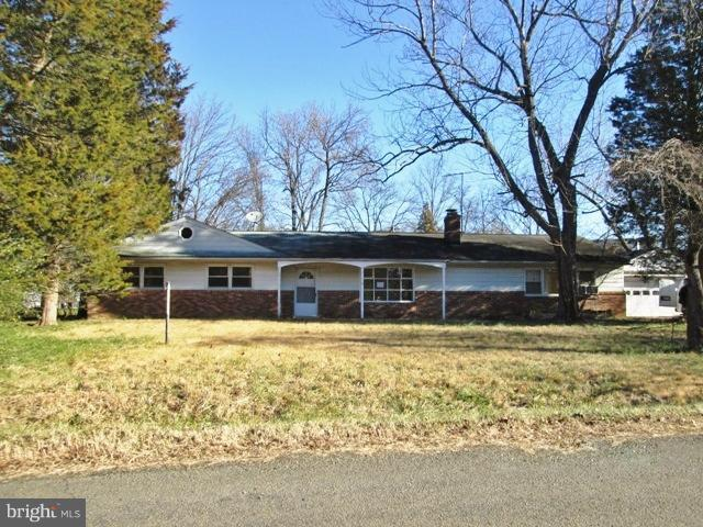 6205 Park Terrace, ALEXANDRIA, VA 22310 (#VAFX748012) :: The Putnam Group