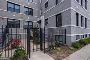 811 Otis Place NW #305, WASHINGTON, DC 20010 (#DCDC310890) :: TVRG Homes