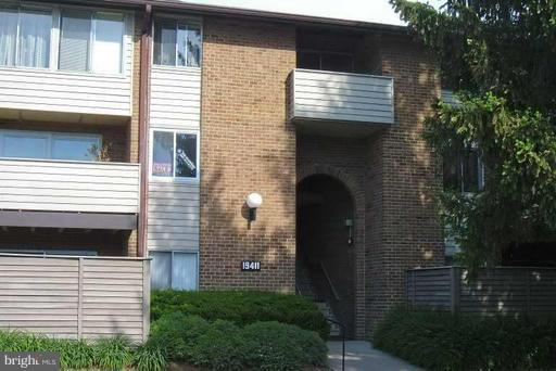19411 Brassie Place #102, GAITHERSBURG, MD 20879 (#MDMC498920) :: Erik Hoferer & Associates