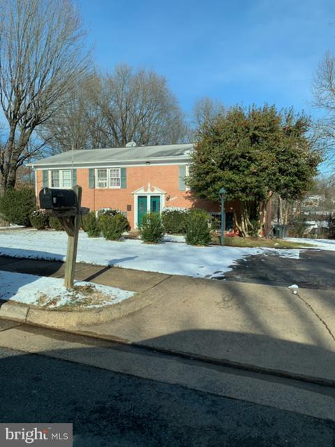 8713 Barnett Street, MANASSAS, VA 20110 (#VAMN130390) :: RE/MAX Cornerstone Realty