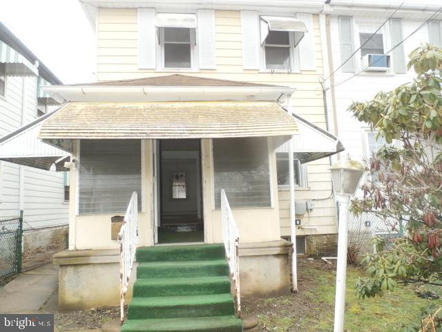 504 Pusey Avenue, COLLINGDALE, PA 19023 (#PADE436260) :: Remax Preferred | Scott Kompa Group