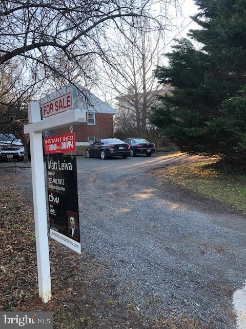 2903 Chain Bridge Road, OAKTON, VA 22124 (#VAFX991940) :: Browning Homes Group
