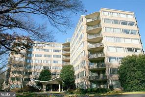 4101 Cathedral Avenue NW #812, WASHINGTON, DC 20016 (#DCDC399046) :: The Putnam Group