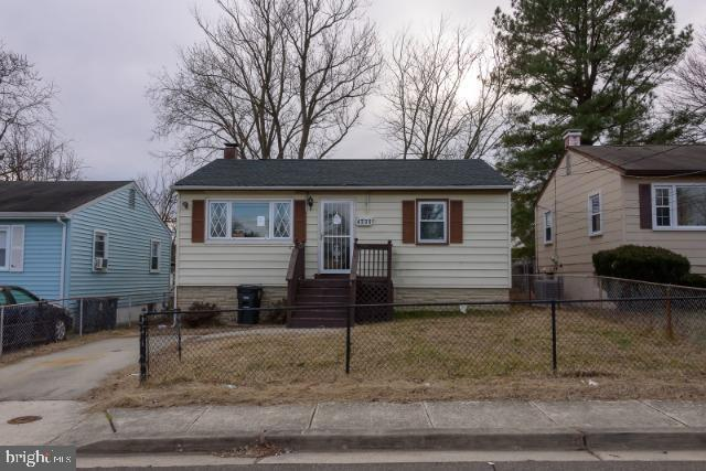 4335 Shell Street, CAPITOL HEIGHTS, MD 20743 (#MDPG500226) :: SURE Sales Group