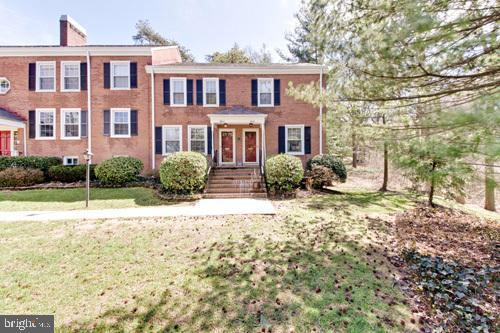 4914 28TH Street S, ARLINGTON, VA 22206 (#VAAX226454) :: AJ Team Realty