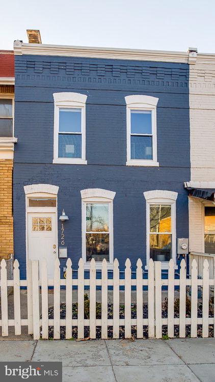 1726 Montello Avenue NE, WASHINGTON, DC 20002 (#DCDC399698) :: The Putnam Group
