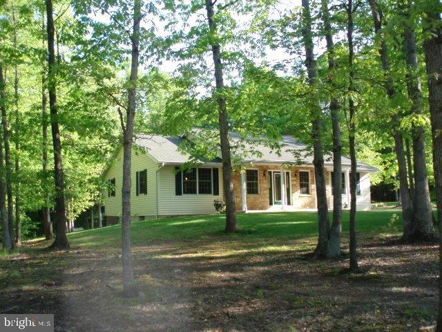 803 N Lakewood Drive N, RIDGELEY, WV 26753 (#WVMI109582) :: Colgan Real Estate