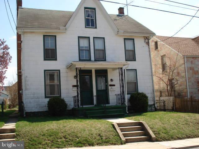 320 Fort Street, SHIPPENSBURG, PA 17257 (#PACB109560) :: Keller Williams of Central PA East