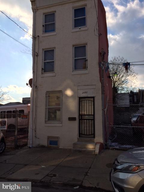 2052 N 2ND Street, PHILADELPHIA, PA 19122 (#PAPH721530) :: Keller Williams Realty - Matt Fetick Team